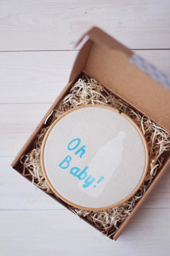 Bastidor decorativo para bebé. Oh baby! Estampación manual. Superkitina