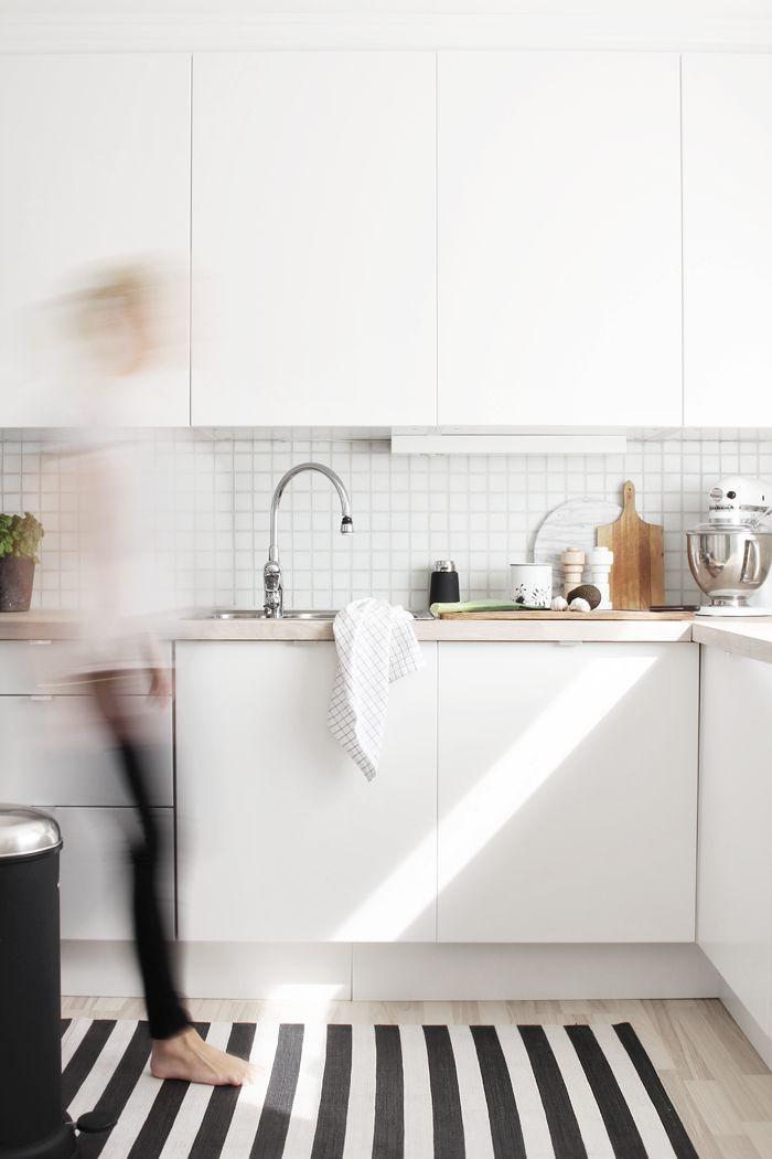 Deco: Cocina blanca, azulejo blanco   Superkitina